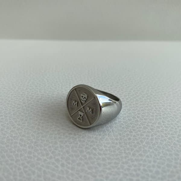 stoic-signet-ring-silver-left