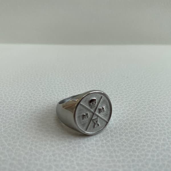 stoic-signet-ring-silver-right