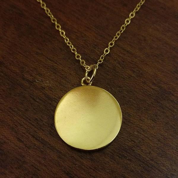 gold-necklace-back