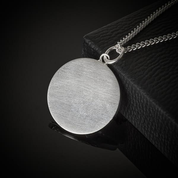 silver-blank-back-necklace