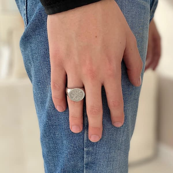 stoic-signet-ring-standing-silver